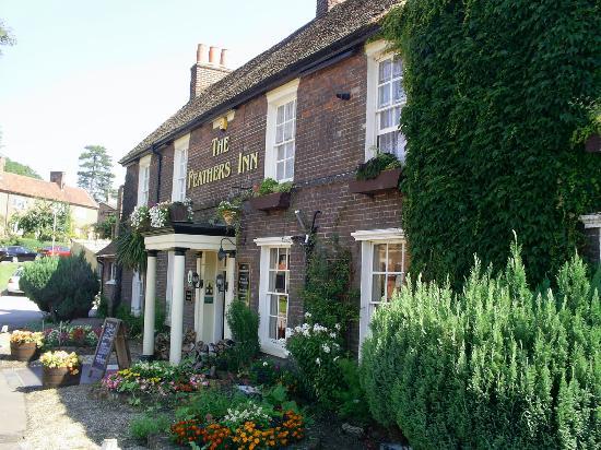 Feathers Inn: Beautiful English Inn