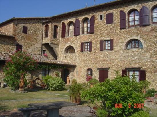 Villa Le Torri: Villa - Side View