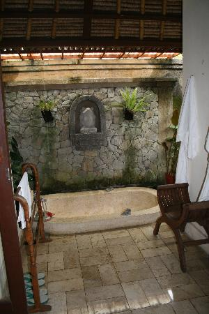 Villa Wanakerta: Chambre Standard - Salle de bain