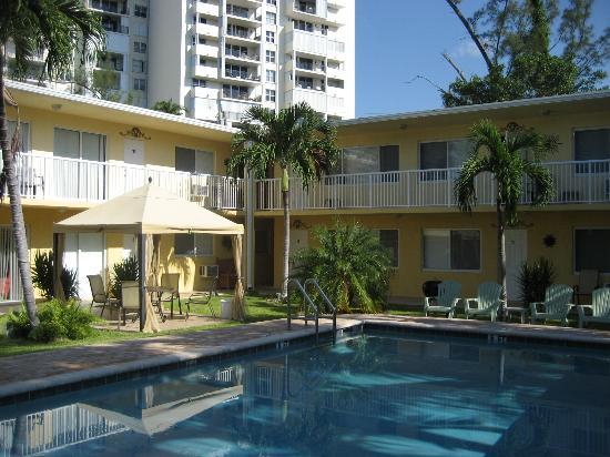 Bedroom Picture Of Cocobelle Resort Fort Lauderdale Tripadvisor
