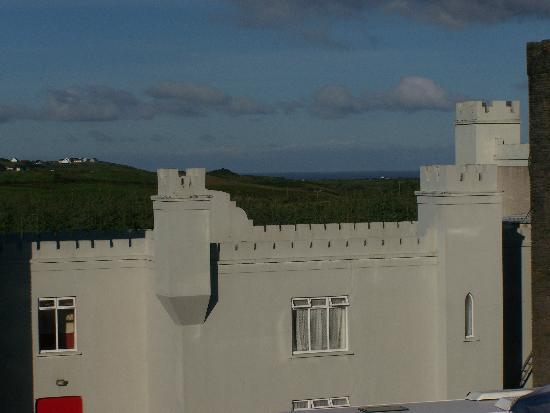 The Burren Castle Hotel: Man konnte sogar den Ozean von Zimmer aus sehen!