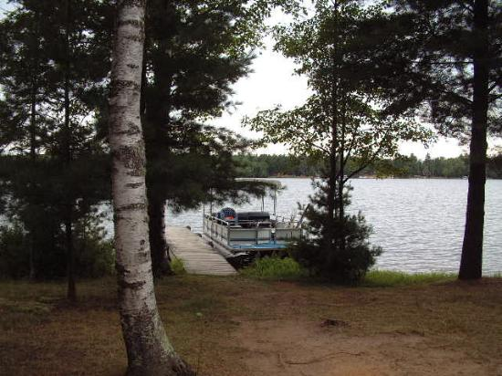 Gypsy Villa Resort: View from Cabin to lake