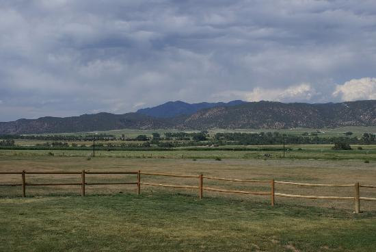 High Rock Ranch: Outside View