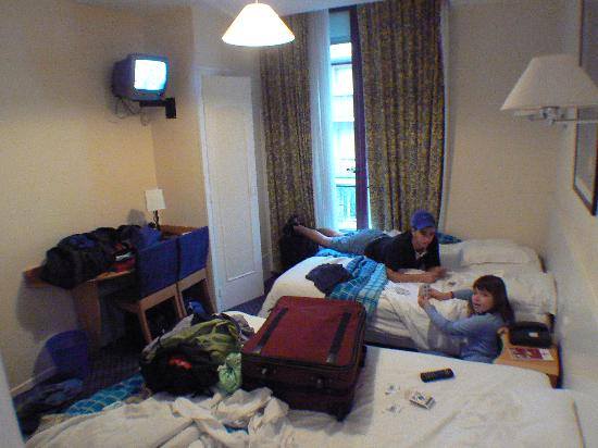 Hotel du Nord: very cramped for 4