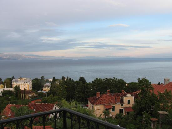 Villa Palme: Balcony view across Kvarner Bay