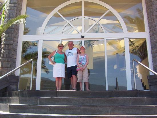 Regal Resort Hotel: Regal Resort entrance