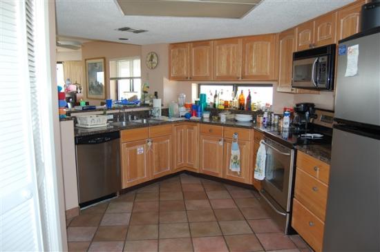 Edgewater Beach Condominium: Edgewater #712 Kitchen