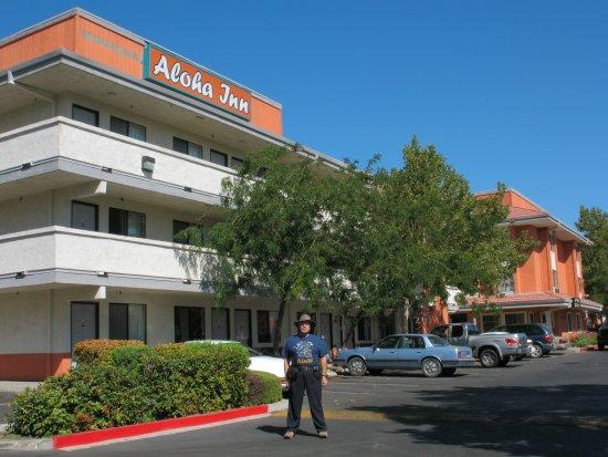 Sparks, Νεβάδα: 255 N. McCarran is now Aloha Inn