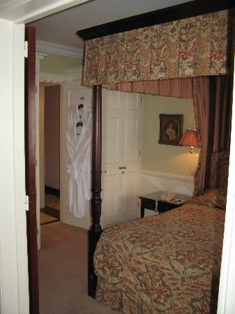 Stanhope Hotel: bedroom