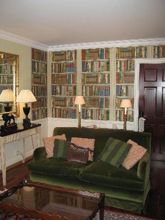 Stanhope Hotel: bennison suite living room