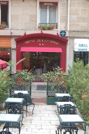 Hotel le Cardinal: Exterior