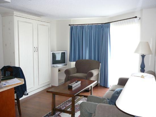 Heron's Landing Hotel: Lounge area