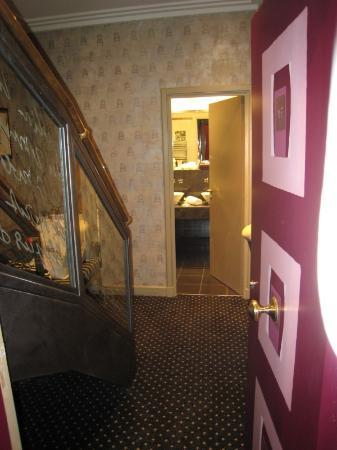 Villa Lutece Port Royal: Al entrar en la habitación...