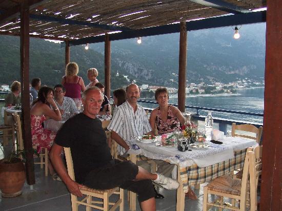 Tara Beach Hotel: The Resturant of Capt Corelli's mate
