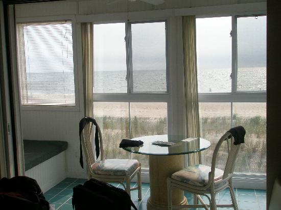 Surf Club Oceanfront Hotel & Beach House: View from eating Breakfast