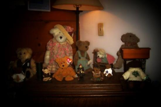 Honeywood Inn: Teddy Bears