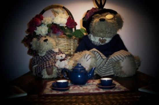 Honeywood Inn: Teddy Bears