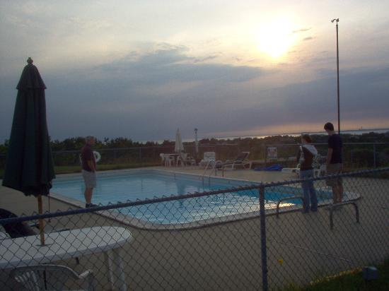 Cape View Motel: view from the pool