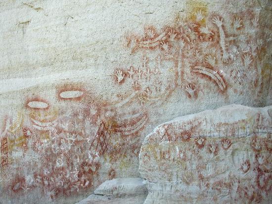 Carnarvon National Park, Australia: Rock art at the Art Gallery