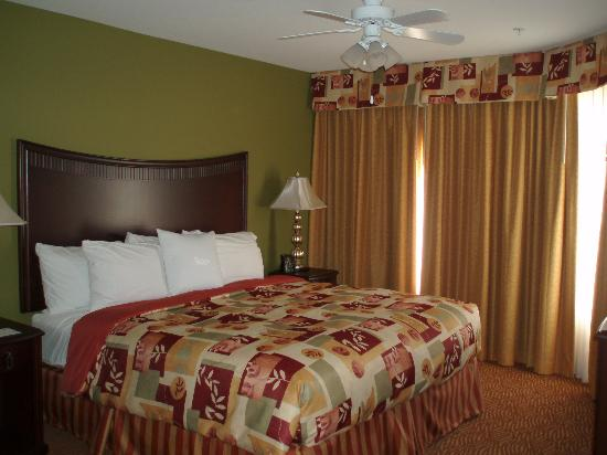 Homewood Suites by Hilton Fort Collins: Bedroom