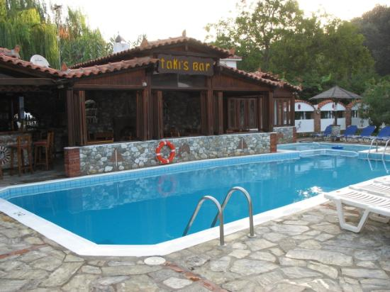 Agia Paraskevi, Grécia: Pool and Bar
