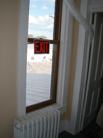 Hotel Wolf: Emergency exit
