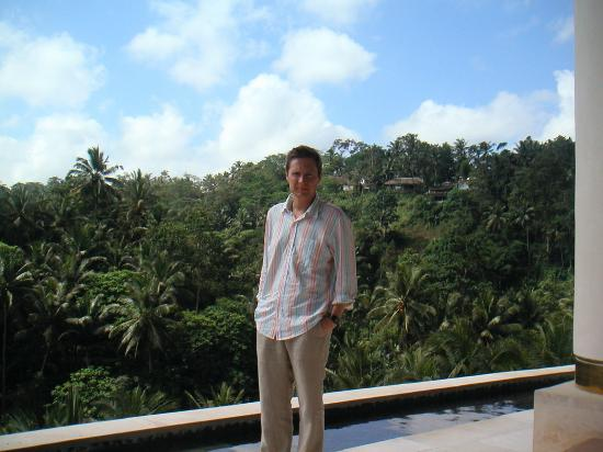 Four Seasons Resort Bali at Sayan: Me in the lobby