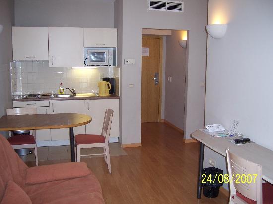 A-XL Flathotel: Kitchenette