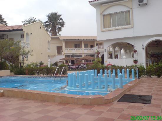 Bakau, Gambia: .