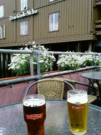Thon Hotel Prinsen: Fancy a pint good neighbour?