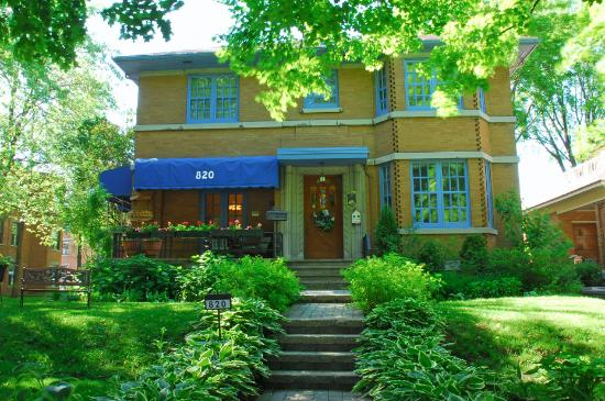 Couette & Cafe L'Arvidienne : L' Arvidienne, 820 Grand Allee, ouest