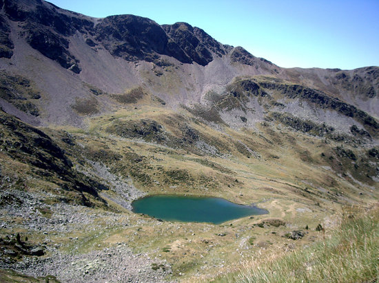 Ordino Parish, Andorra: vue sur le lac de l'estanyó