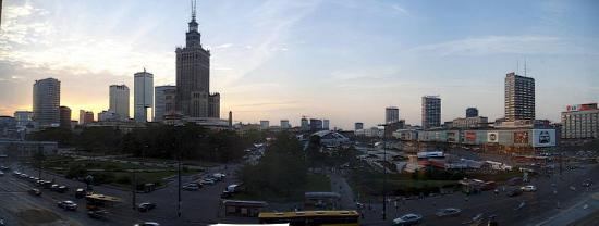 Polonia Palace Hotel: Hotel room window's view (day)