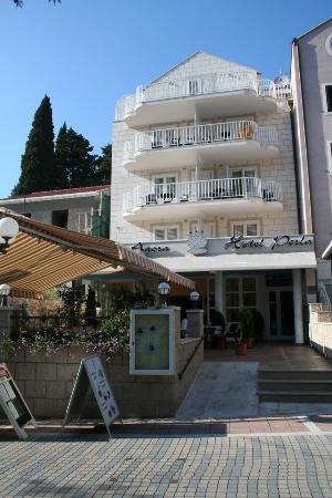Hotel Perla: l'hotel vue de face