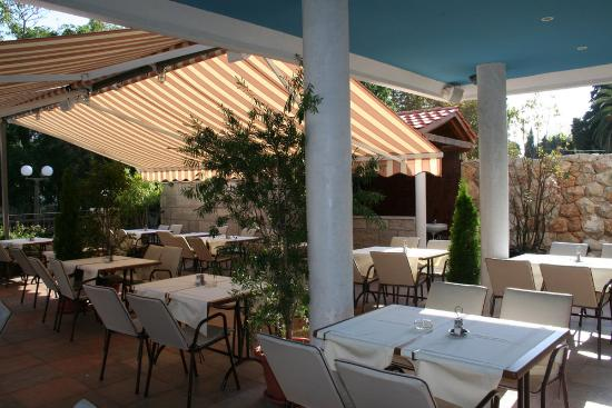 Hotel Perla: la terrasse du restaurant