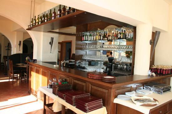 Hotel Perla: l'intérieur du restaurant