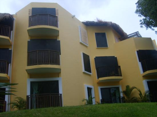 sandos caracol eco resort hotel well prepared for category 5 hurricane dean