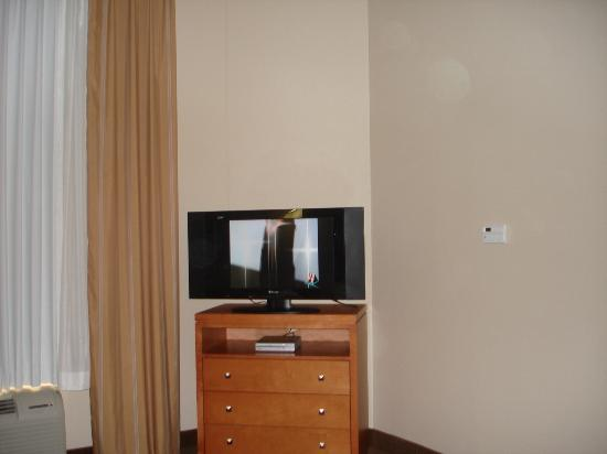Candlewood Suites Winchester: Flat screen tv
