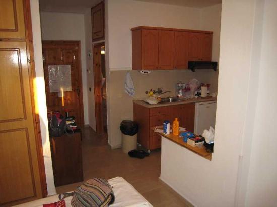 Pella Studios Apartments: Room - Kitchen Area