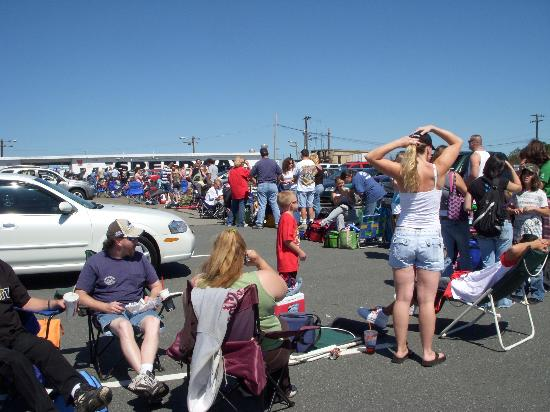 Seekonk Speedway: Camping out in the parking lot waiting to get it