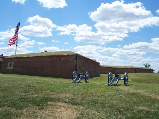Fort McHenry National Monument: Fort McHenry - July 21, 2007