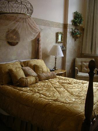 Northside School Bed and Breakfast : Tuscan Room