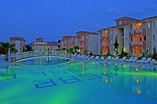 Palmin Sunset Plaza: poolside
