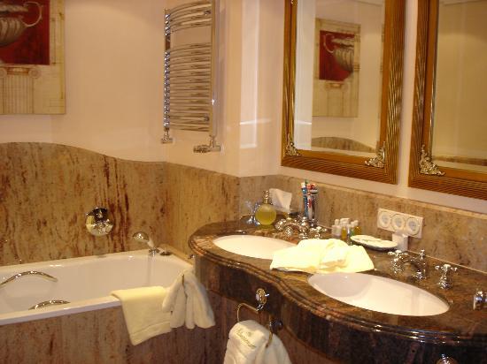 Schwarzmatt Hotel: bagno