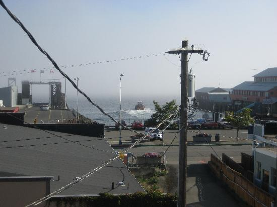 Port Angeles Downtown Hotel: View from #10 -- one of the few rooms with a view