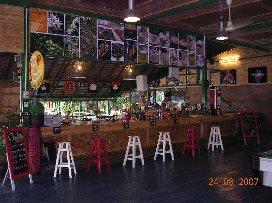 ‪‪Bungsamran Fishing Resort‬: The Bar & Cafe, serves coffees, alchohol and light snacks throught the day and evening‬