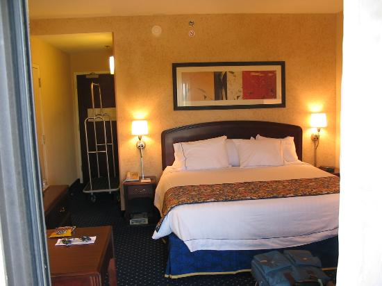 Courtyard Wilmington Brandywine: Comfortable new rooms