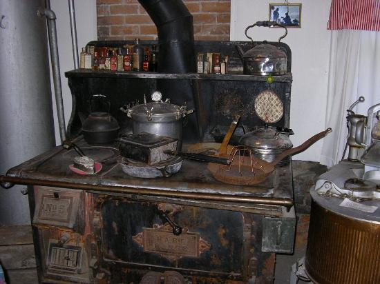Ordinaire Ouray County Museum: Antique Kitchen Stove