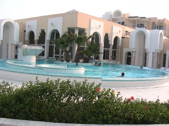 Hasdrubal Thalassa & Spa: piscine extérieure du spa