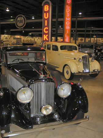 Tupelo Automobile Museum: Tupelo Car Museum